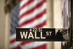 Wall Street si presenta stabile