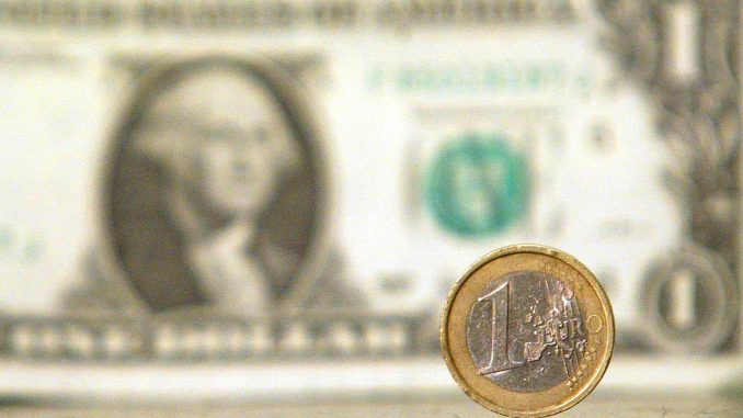 La coppia EUR/USD scende