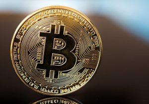 La dichiarazione del Commissario dell'UE sui Bitcoin
