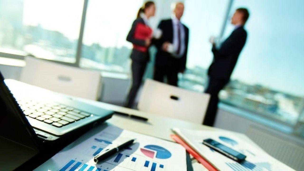 """""""Un ETF è un paniere di titoli che si possono acquistare o vendere tramite un broker in borsa. Gli ETF sono disponibili in tutte le asset class, come materie prime o valute, o investimenti tradizionali. """""""