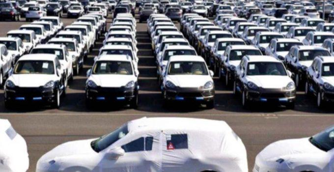 Mercato Auto ancora in calo