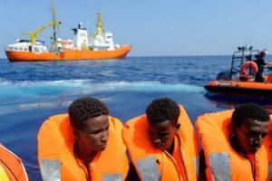 Lampedusa: Il centro di accoglienza è stracolmo