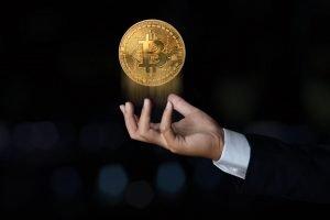 """Gli esperti ritengono che Bitcoin formerà una """"doppia bolla"""" prima che i prezzi ritornino"""